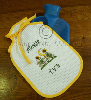Porta borsa acqua calda ricamato personalizzabile.
